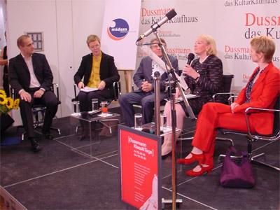 v.l.n.r.: Felix Hilse (klassik.com), Dr. Margarete Zander (NDR), Mariss Jansons, Cornelia Much (MIDEM), Stefanie Haase (EMI)