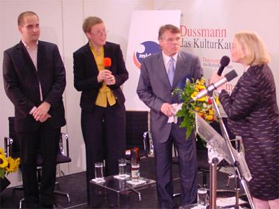 v.l.n.r.: Felix Hilse (klassik.com), Dr. Margarete Zander (NDR), Mariss Jansons, Cornelia Much (MIDEM)