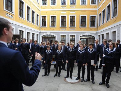 Einsingen der Thomaner im Hof des historischen Bosehauses